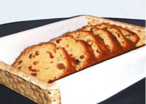 手作りのフルーツパウンドケーキ
