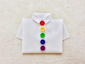 厚紙で作ったYシャツ